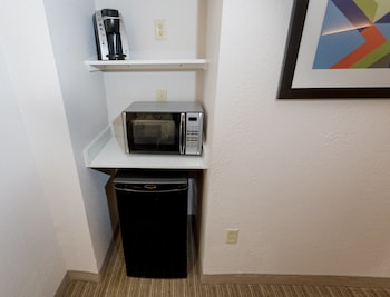 Room, 2 Queen Beds, Accessible, Non Smoking (Hearing)