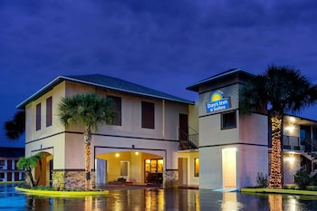 Exterior at Days Inn by Wyndham Kissimmee West in Kissimmee