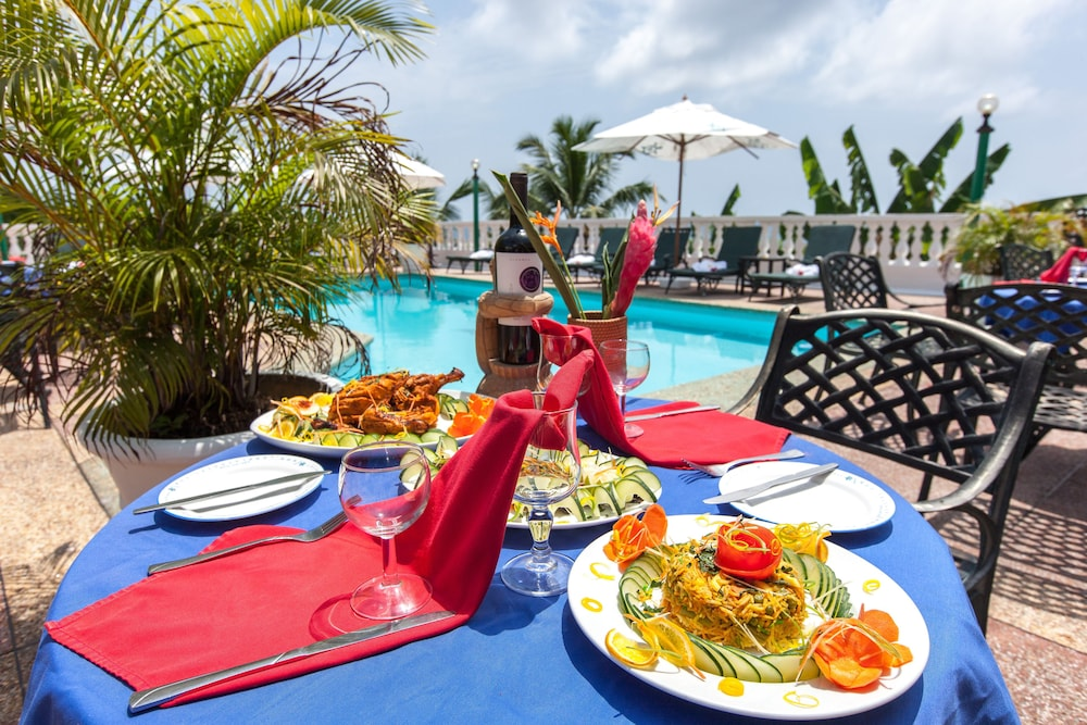 Le Relax Hotel and Restaurant