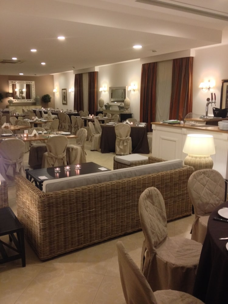 호텔 빌라 에스페리아(Hotel Villa Esperia) Hotel Image 14 - Food Court