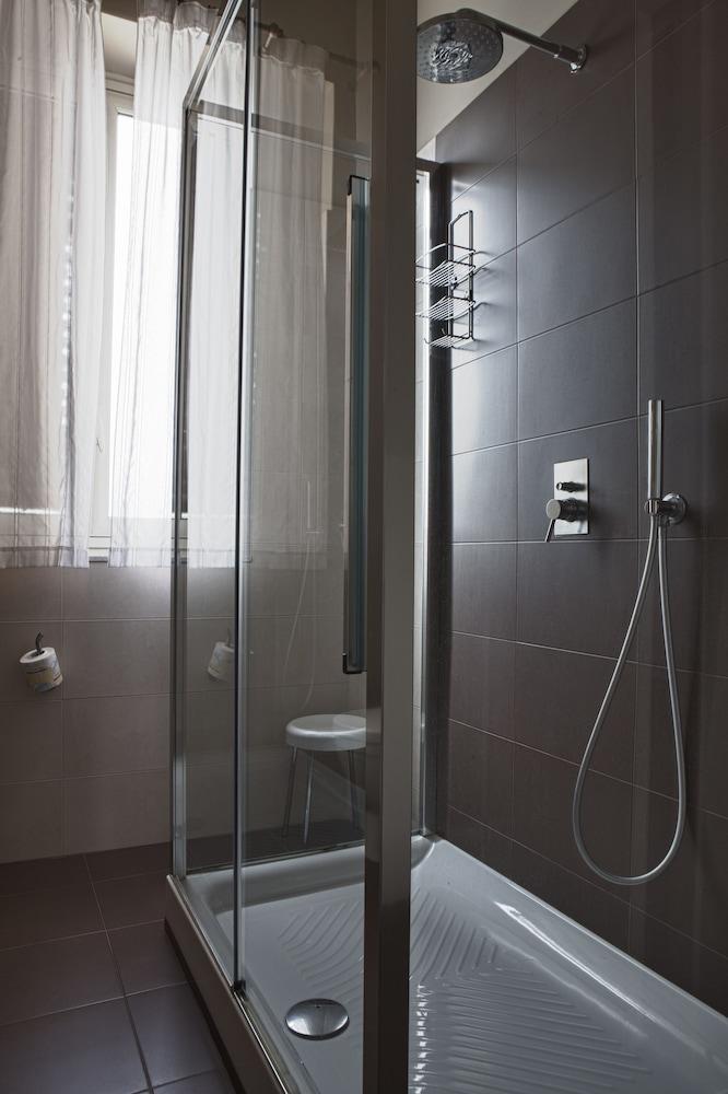 호텔 빌라 에스페리아(Hotel Villa Esperia) Hotel Image 7 - Bathroom