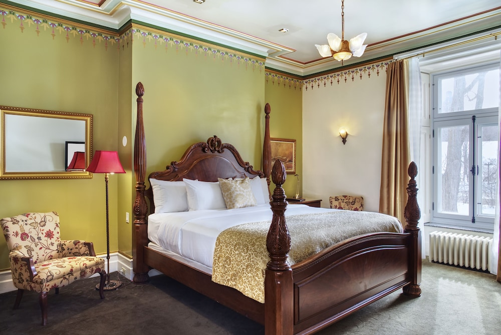 https://i.travelapi.com/hotels/2000000/1470000/1468100/1468098/3ed6d687_z.jpg