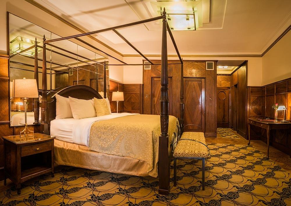 https://i.travelapi.com/hotels/2000000/1470000/1468100/1468098/80c929e8_z.jpg