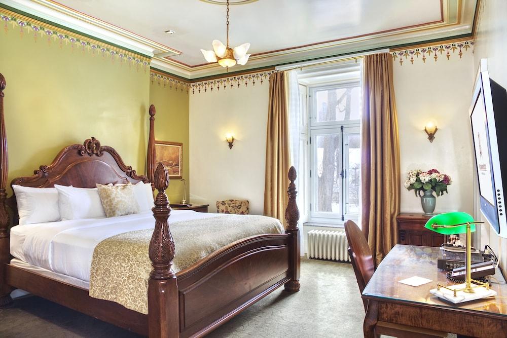 https://i.travelapi.com/hotels/2000000/1470000/1468100/1468098/be2afec9_z.jpg
