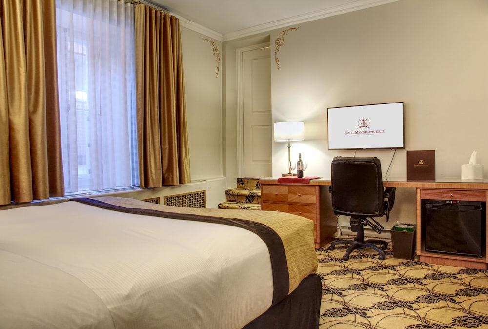 https://i.travelapi.com/hotels/2000000/1470000/1468100/1468098/c0a4f3a7_z.jpg