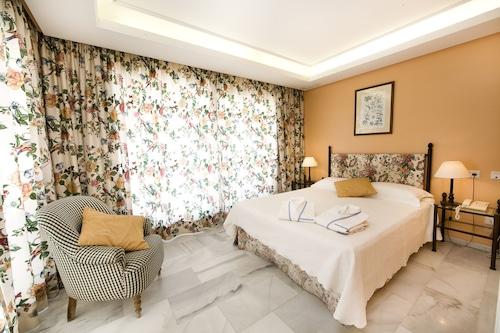 Marbella - Aparthotel Monarque Sultán - z Wrocławia, 18 kwietnia 2021, 3 noce