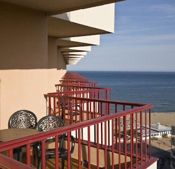 Tek Büyük Veya İki Ayrı Yataklı Oda, Teras, Deniz Manzaralı