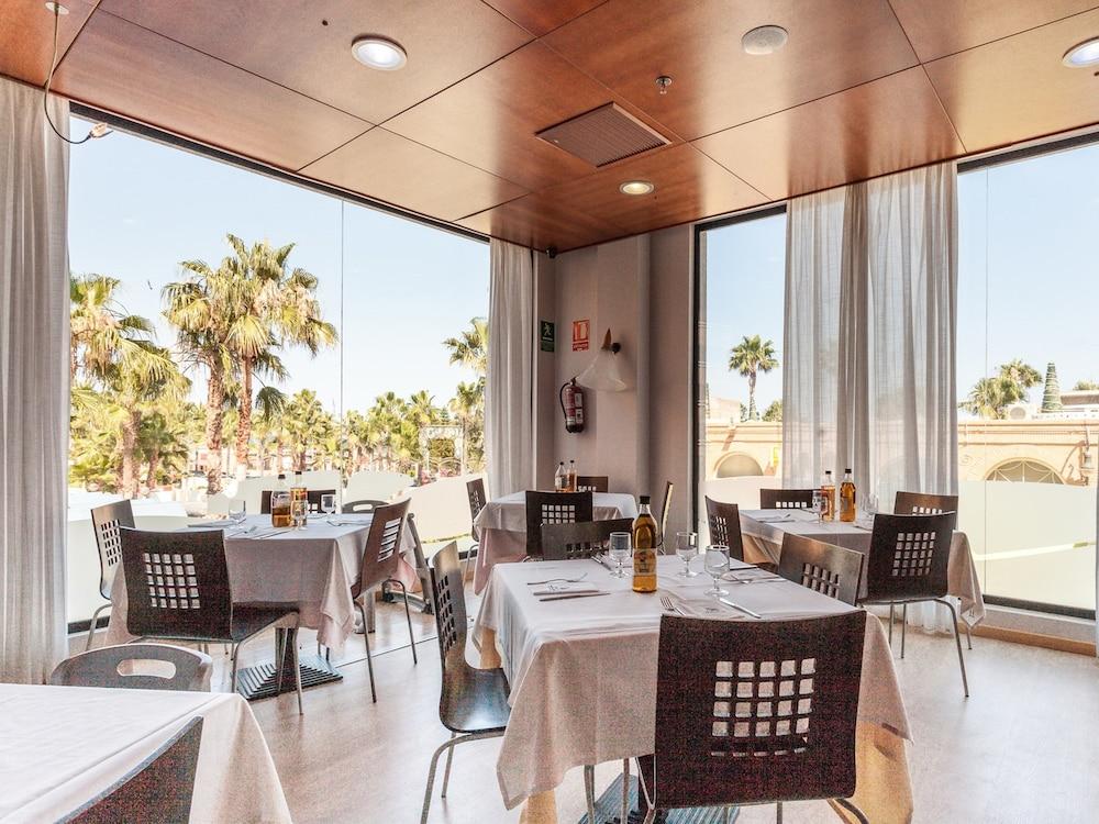 마리나 도르 플라야 4(Marina dOr Playa 4) Hotel Image 67 - Food Court