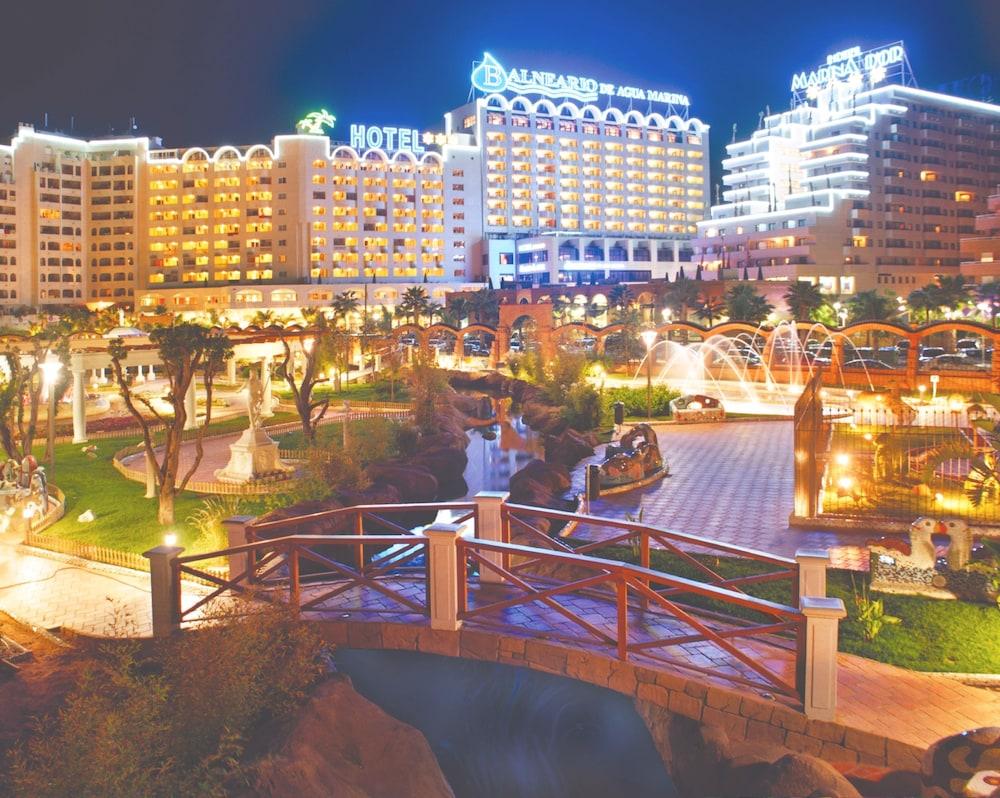 마리나 도르 플라야 4(Marina dOr Playa 4) Hotel Image 75 - Hotel Front - Evening/Night