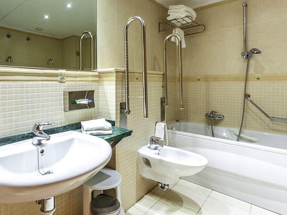 마리나 도르 플라야 4(Marina dOr Playa 4) Hotel Image 14 - Guestroom