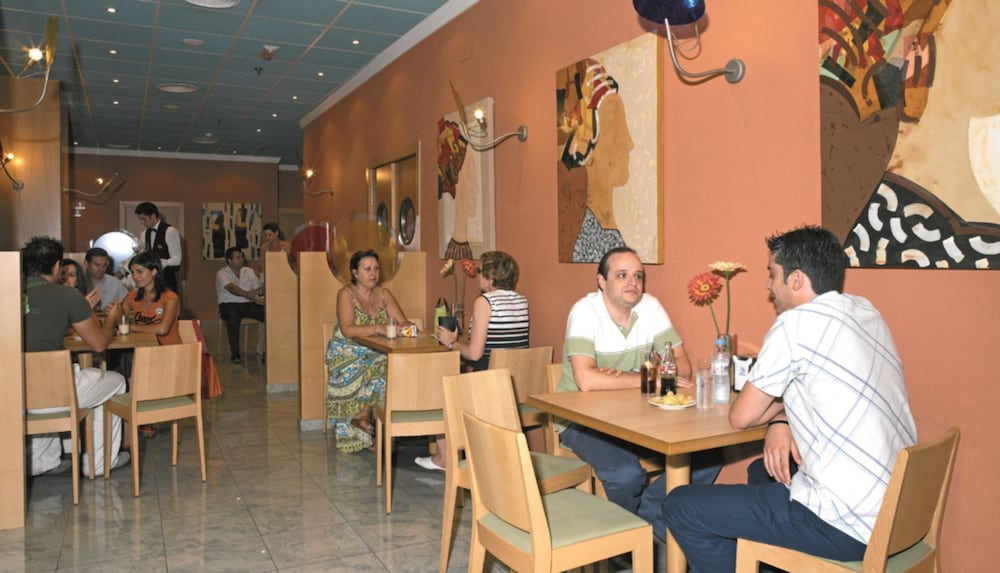 마리나 도르 플라야 4(Marina dOr Playa 4) Hotel Image 71 - Hotel Bar