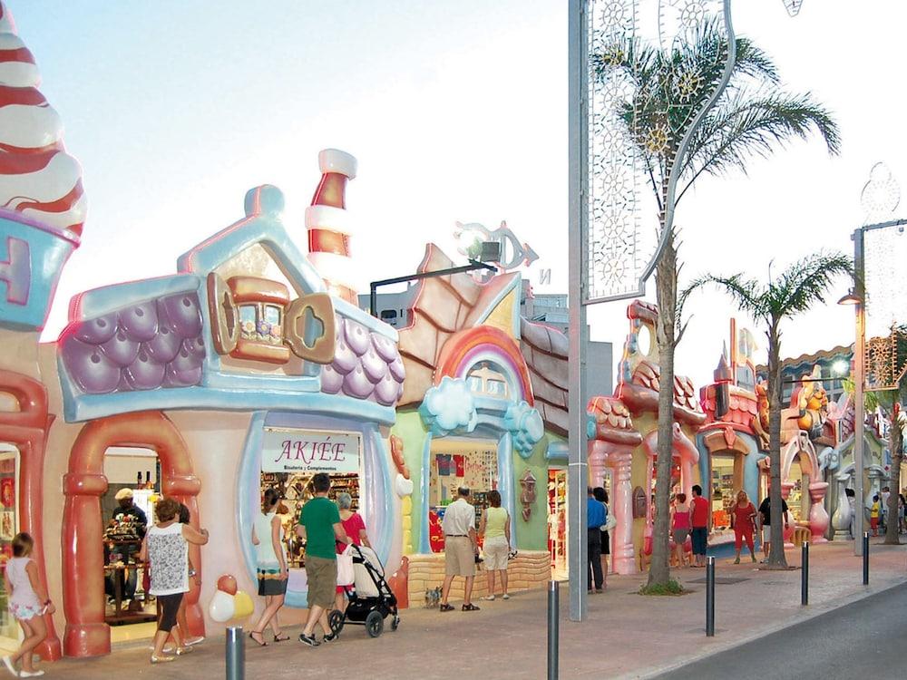 마리나 도르 플라야 4(Marina dOr Playa 4) Hotel Image 41 - Gift Shop