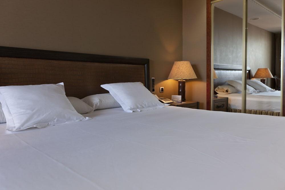 마리나 도르 플라야 4(Marina dOr Playa 4) Hotel Image 8 - Guestroom
