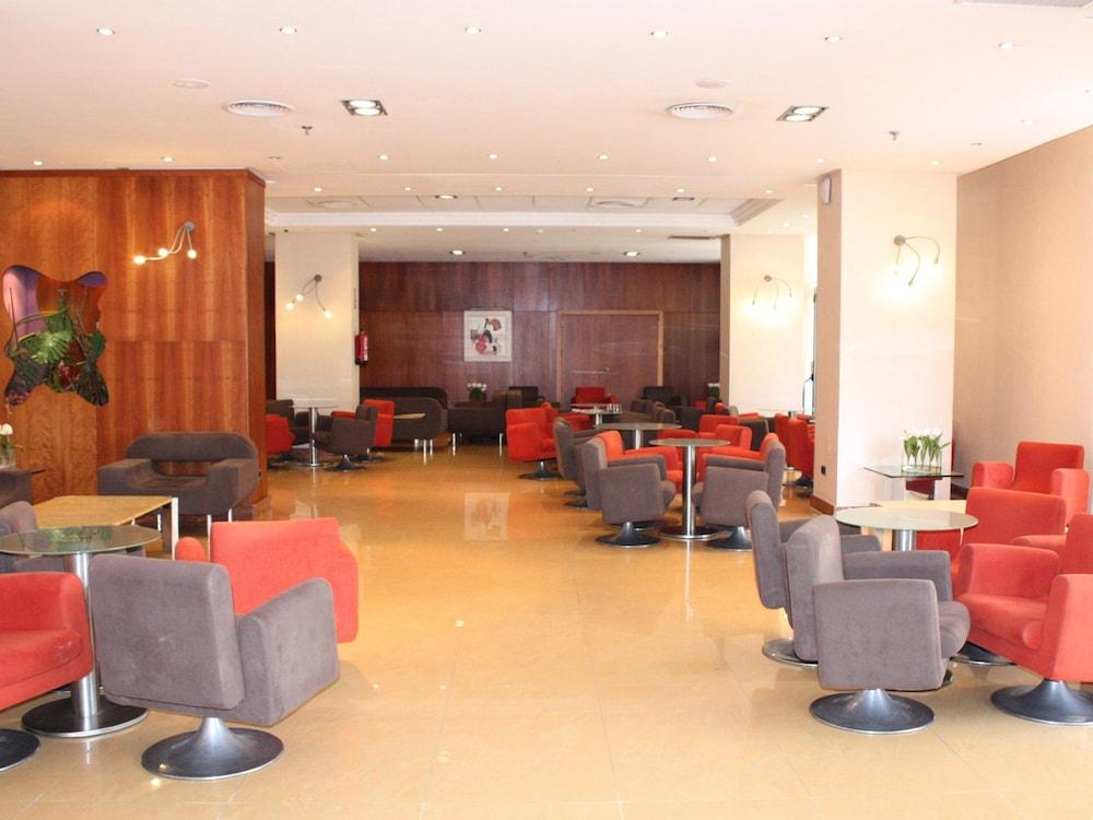 마리나 도르 플라야 4(Marina dOr Playa 4) Hotel Image 46 - Interior Entrance