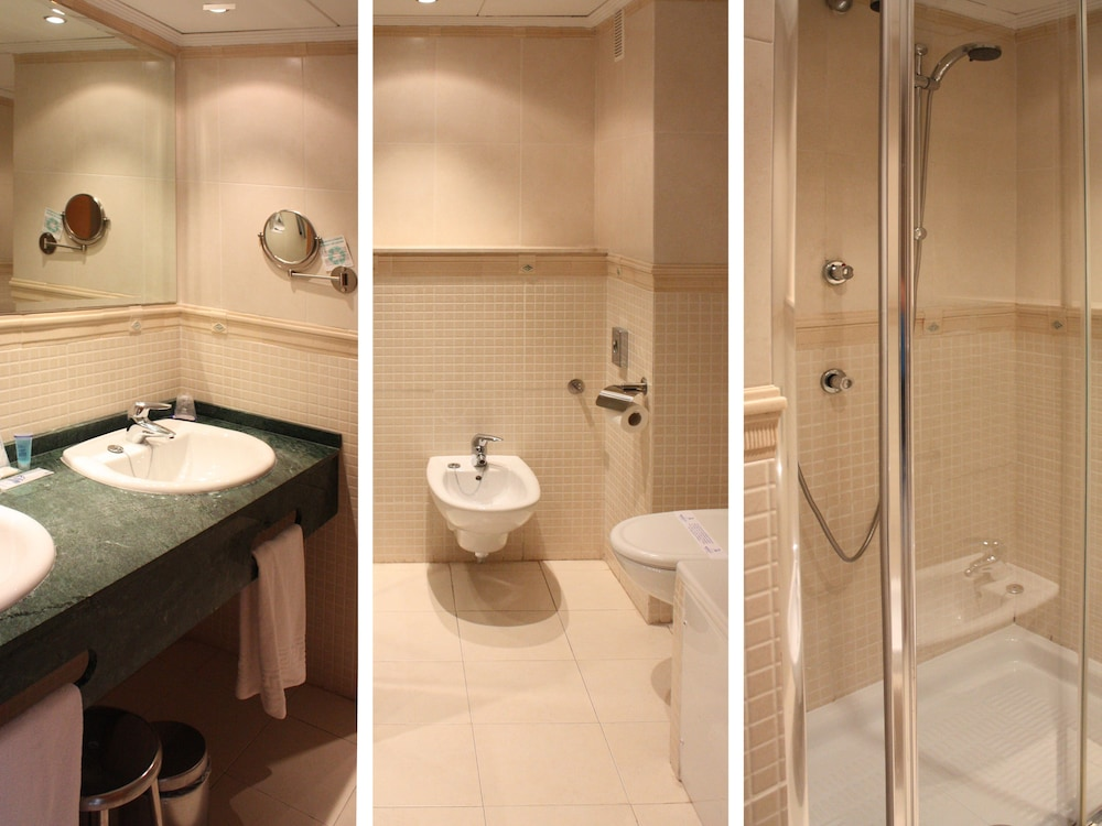 마리나 도르 플라야 4(Marina dOr Playa 4) Hotel Image 20 - Bathroom