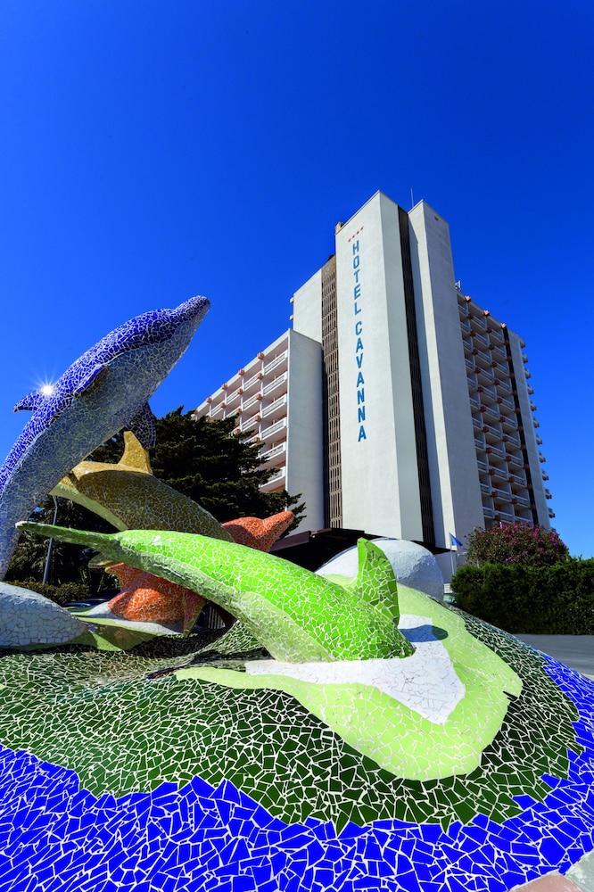 Hotel Izán Cavanna, Imagen destacada