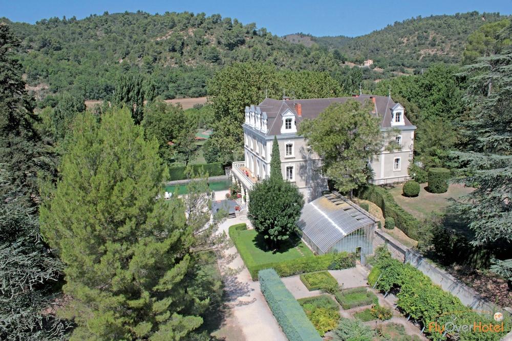 클럽 바캉스 블루 도멘 드 샤토-라발(Club Vacances Bleues Domaine de Château-Laval) Hotel Image 31 - Aerial View