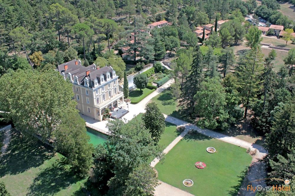 클럽 바캉스 블루 도멘 드 샤토-라발(Club Vacances Bleues Domaine de Château-Laval) Hotel Image 56 - BBQ/Picnic Area