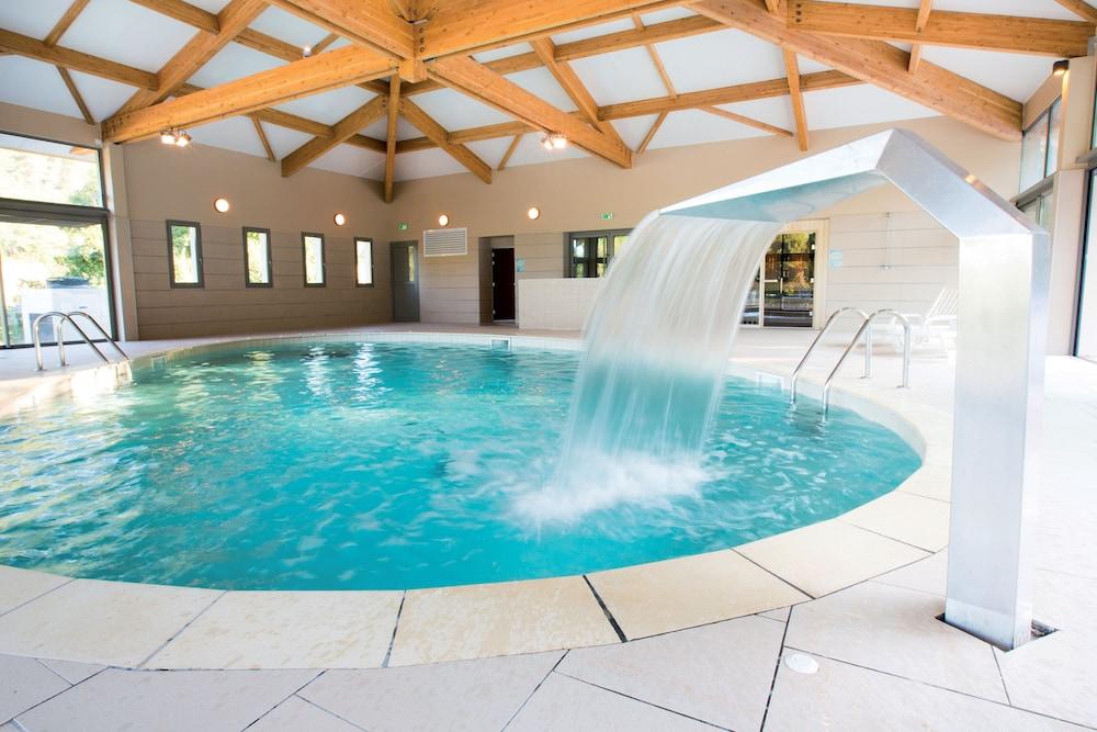 클럽 바캉스 블루 도멘 드 샤토-라발(Club Vacances Bleues Domaine de Château-Laval) Hotel Image 36 - Fitness Facility