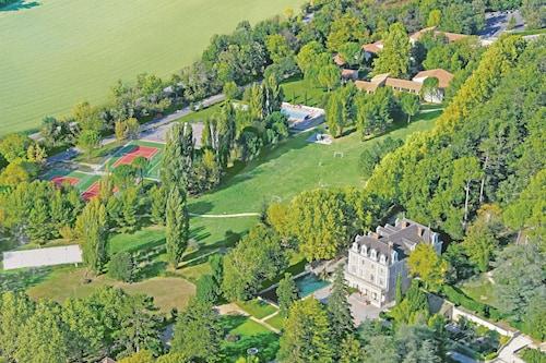 Club Vacances Bleues Domaine de Château-Laval, Alpes-de-Haute-Provence