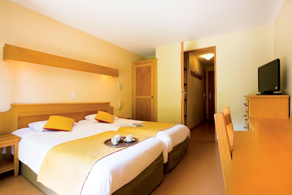 클럽 바캉스 블루 도멘 드 샤토-라발(Club Vacances Bleues Domaine de Château-Laval) Hotel Image 16 - Guestroom