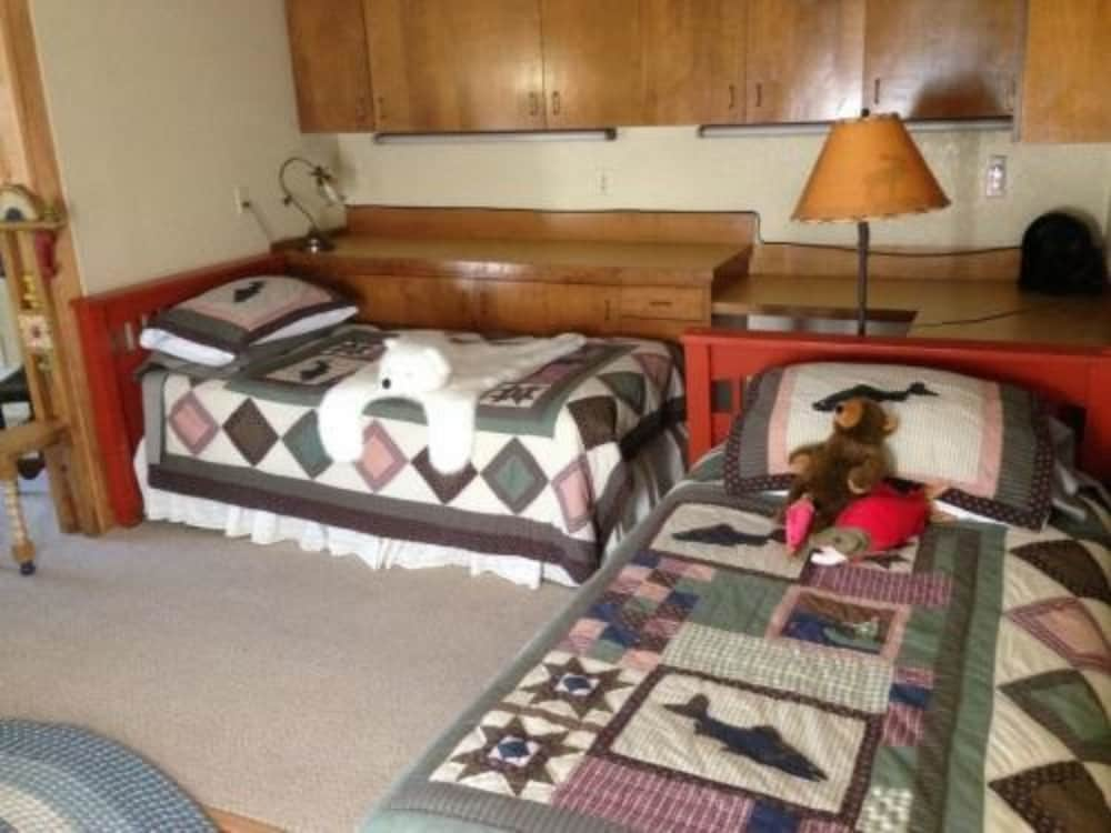 앵커리지 워크어바웃 타운 B&B(Anchorage Walkabout Town B&B) Hotel Thumbnail Image 9 - Guestroom