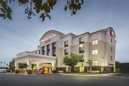 . Springhill Suites by Marriott Laredo