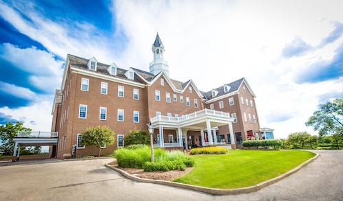. The Delafield Hotel