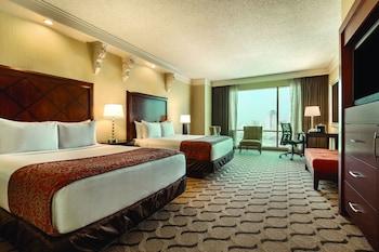 Luxury Room, 2 Queen Beds, Smoking