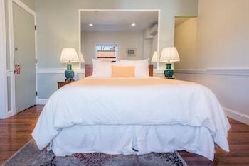 Premium Studio, 1 Queen Bed with Sofa bed, Kitchen