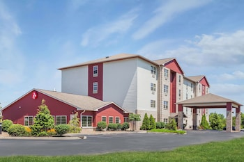 0 6 Miles From Kentucky Sdway Ramada By Wyndham Shelbyville Louisville East Photo