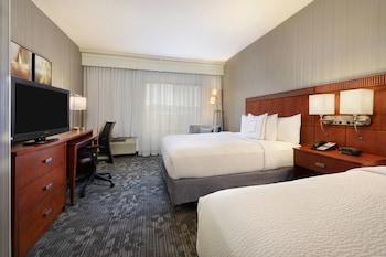 Room, 2 Queen Beds, Non Smoking, Mountain View (Mesa View)