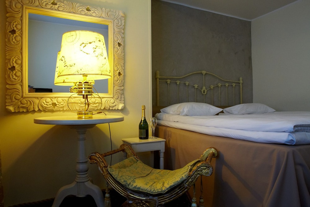 CRU Hotel, Tallinn