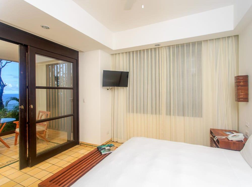 https://i.travelapi.com/hotels/2000000/1490000/1484900/1484897/271b9681_z.jpg
