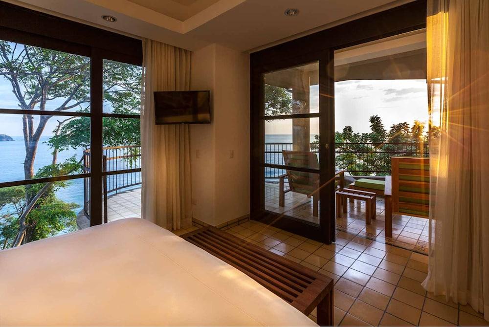 https://i.travelapi.com/hotels/2000000/1490000/1484900/1484897/63880f61_z.jpg