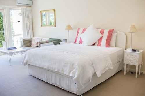 Avoca Valley Bed & Breakfast, Gosford - East
