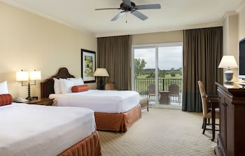 Guestroom at Marina Inn At Grande Dunes in Myrtle Beach