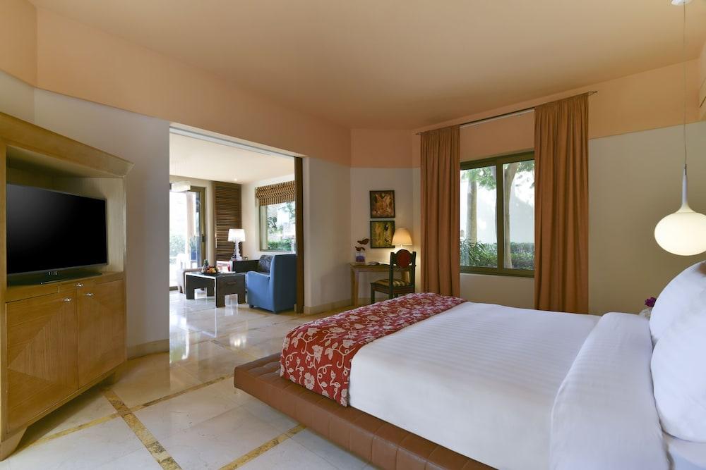 https://i.travelapi.com/hotels/2000000/1490000/1489600/1489538/460046c8_z.jpg