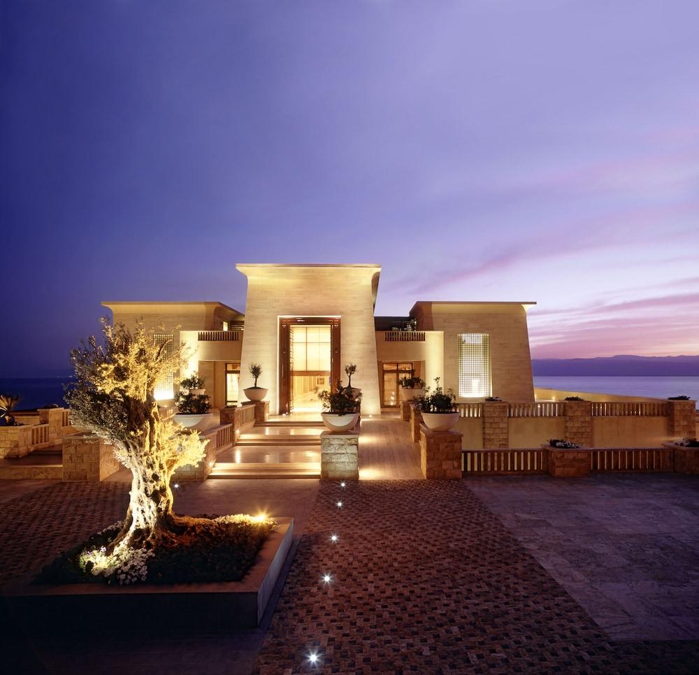 https://i.travelapi.com/hotels/2000000/1490000/1489600/1489538/6ea9c1d8_z.jpg