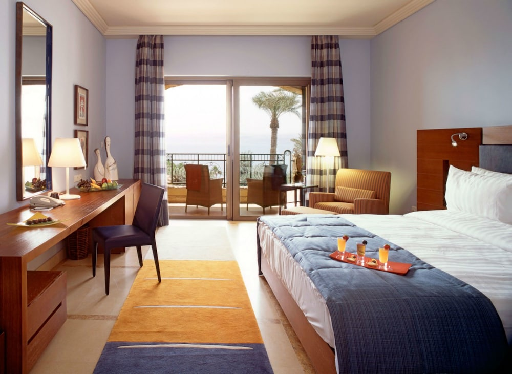 https://i.travelapi.com/hotels/2000000/1490000/1489600/1489538/80a54e9b_z.jpg