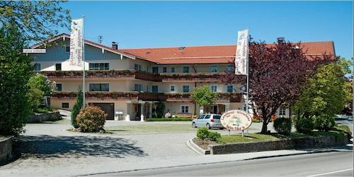 . Landhotel & Wirtshaus beim Hasn