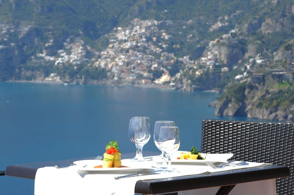 호텔 트라몬토 디오로(Hotel Tramonto d'Oro) Hotel Image 68 - Outdoor Dining