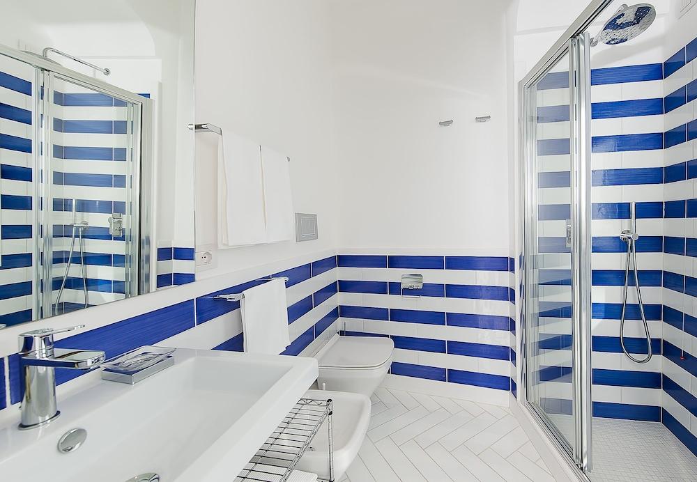 호텔 트라몬토 디오로(Hotel Tramonto d'Oro) Hotel Image 32 - Bathroom