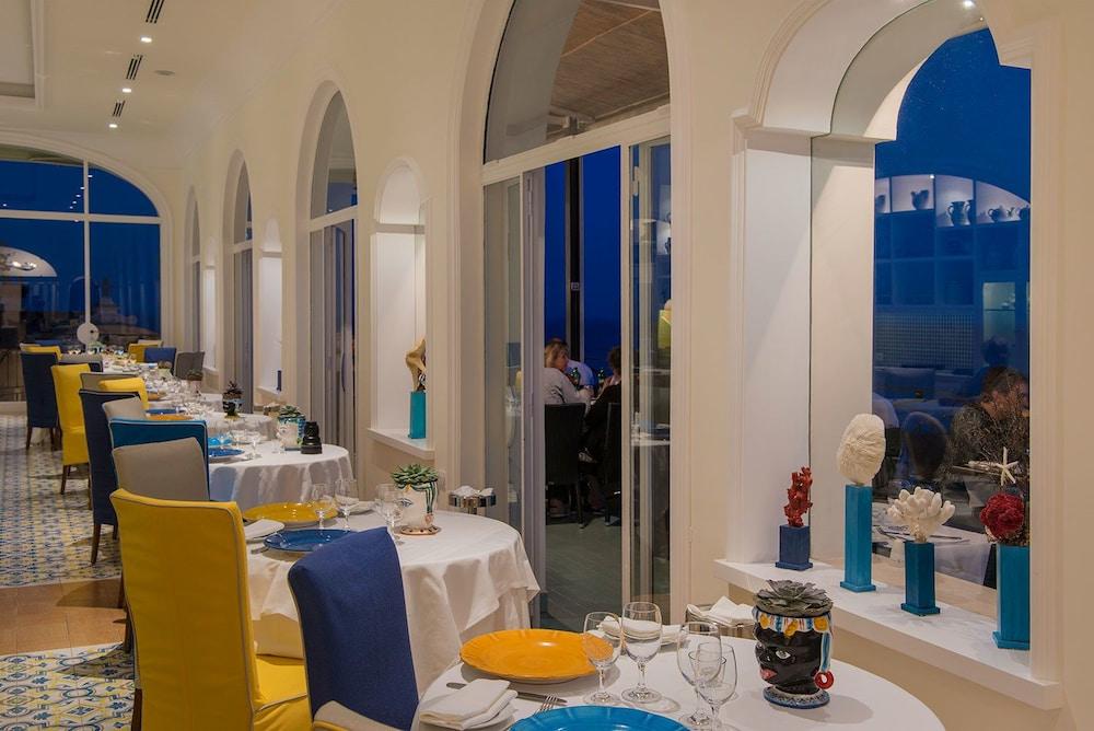 호텔 트라몬토 디오로(Hotel Tramonto d'Oro) Hotel Image 60 - Restaurant