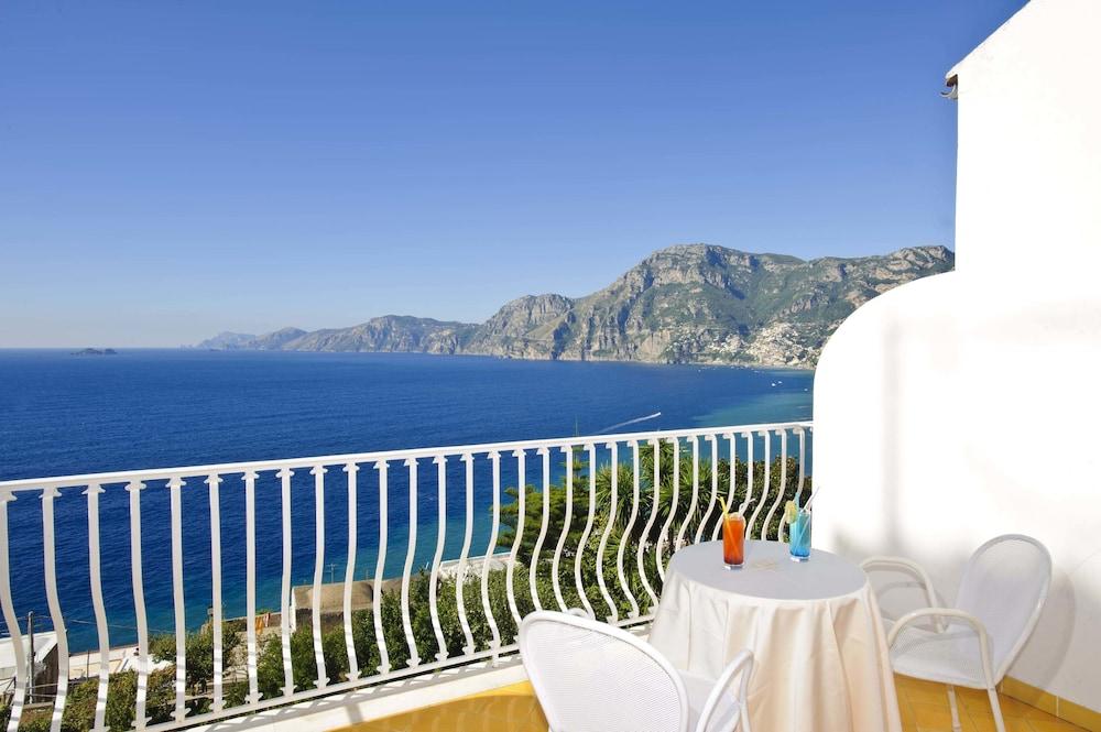 호텔 트라몬토 디오로(Hotel Tramonto d'Oro) Hotel Image 27 - Guestroom View