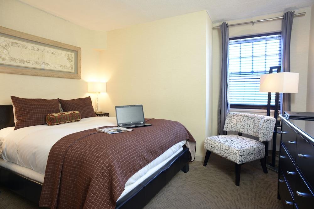 https://i.travelapi.com/hotels/2000000/1500000/1492100/1492022/aa943838_z.jpg