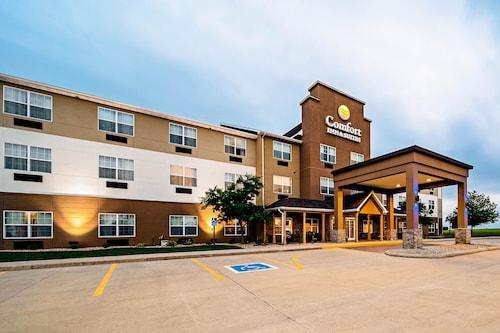 . Comfort Inn & Suites Independence