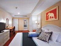 Family 1-Bedroom Executive Suite (4 Adults)