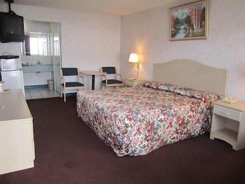 Basic Room, 1 King Bed, Non Smoking