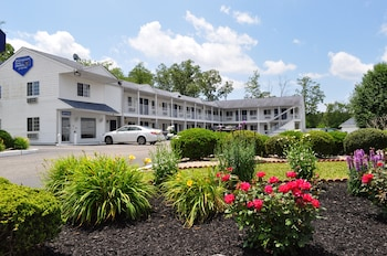 Hotel - Passport Inn & Suites